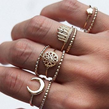 Tocona 9pcs/Set Bohemian Moon Heart Dreamcatcher Crown Midi Rings Set for Women Gold Alloy Knuckle Rings Jewelry 4261