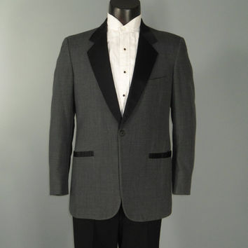 Vintage 1960s 1970s Mens PIERRE CARDIN Notched by FrocknRock