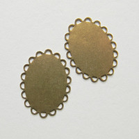 Brass Ox Setting Oval Flat Pad Filigree Lace Edge 25mm x 18mm - 6 pcs.