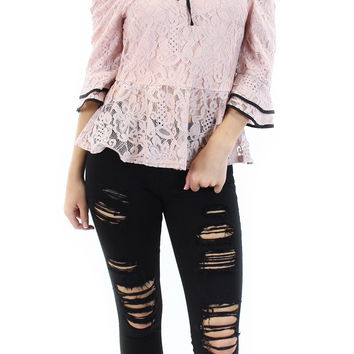 elise off the shoulder lace top (dusty pink)