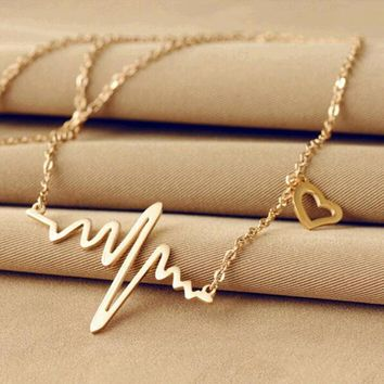 Simple Wave Heart Necklace Chic ECG Heartbeat Gold Pendant Charm Lightning Necklace for Women Vintage Jewelry