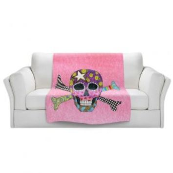 https://www.dianochedesigns.com/sherpa-pile-blankets-marley-ungaro-skull-and-cross-bones-light-pink.html