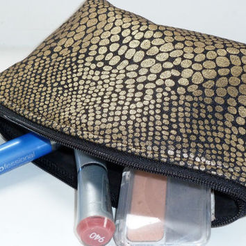 Makeup Bag/Zippered Pouch Padded Flat Bottom Round Top Metallic Gold Black