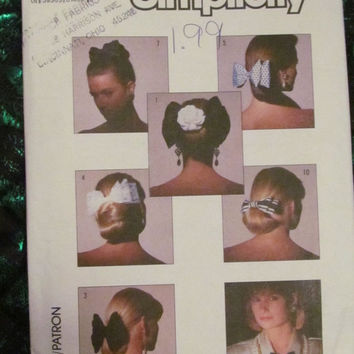 SALE Uncut 1980's Simplicity Sewing Pattern, 8000! Women's/Girls Bows/Hair Ties/Hair Accessories/Clothing Accessory/ Double Layer Bows