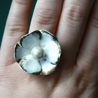 Vintage CUTE flower ring with pearl