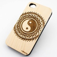 W156 GENUINE WOOD Organic Snap On Case Cover for APPLE IPHONE 4/4S, 5/5S, 5C - TRIBAL YIN YANG