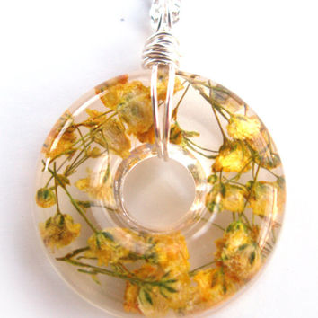 Yellow Baby's Breath  Necklace - Real Baby Breath in Resin -  Pressed Flower Jewelry, Resin Necklace, Wire Wrapped Pendant,  Donut Pendant