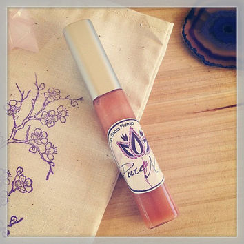 Organic Bee Venom Lip Plump Treatment, Sweet Honey Citrus, Lip Gloss Wand, Tube, Shimmer Nude Bronze Color, Bee Venom Lip Balm Natures Botox