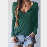 Solid color V-neck sweater-1