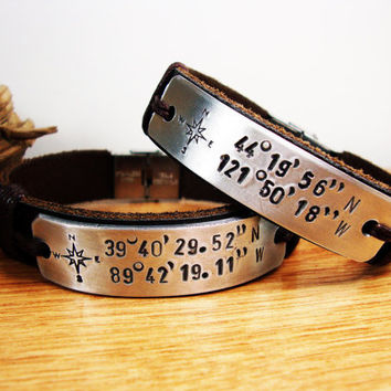 FREE SHIPPING -Couple Bracelet.Men Personalized Bracelet,Men's Bracelet.Men Bracelet.Hand press Aluminum plate.Compass Personalized Bracelet