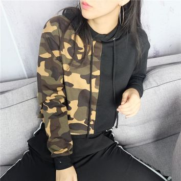 Camouflage stitching color loose navel short sleeved Hoodie 171117