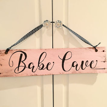 Hand-painted wooden pallet sign, Babe Cave