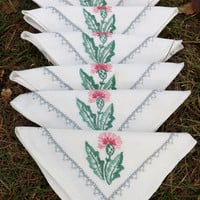 Wonderful hand embroidered vintage tablecloth with six matching napkins - thistles
