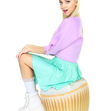 INFLATABLE CUPCAKE CHAIR