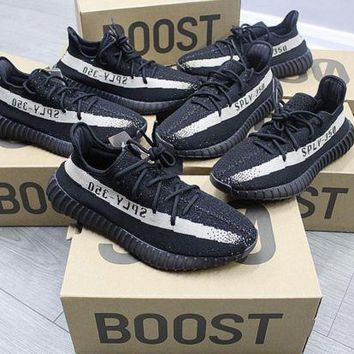 Yeezy Oreo (black & White)