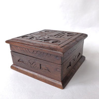Vintage Black Forest Style Box / Cuff Link Storage Rustic Jewelry Casket / Chip Wood Carved Trinket Box / Primitive Ring Box / Cabin Decor