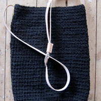 crocheted bag sisal hemp and black wool with long leather strap