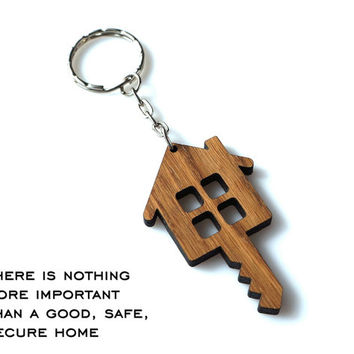 Wooden Home and Key Shaped Keychain Personalized House Keychain Wood Lodge Gift Oak Carved Unique Keyring Custom Laser Cutted Etched