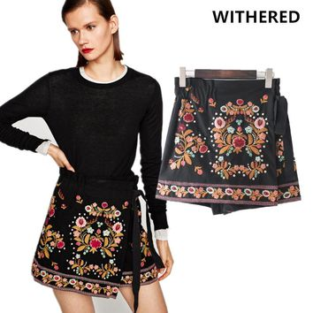 Withered 2017 shorts women european style vintage floral embroidery rivet lace-up shorts skirts women shorts feminino plus size