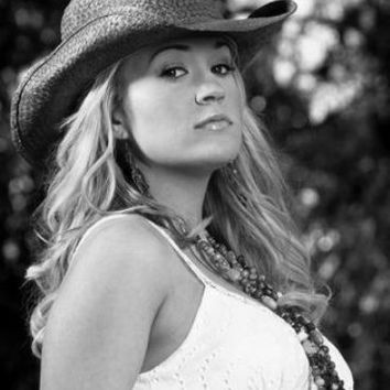 "Carrie Underwood Poster Black and White Poster 24""x36"""