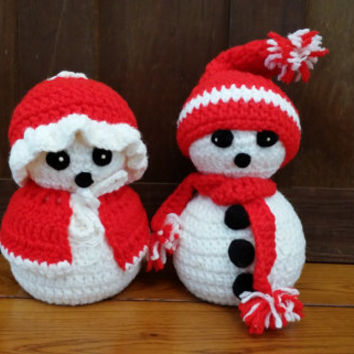 Vintage Crocheted Snowman and Snow Woman With Red Hat and Scarf Great Christmas Kitsch