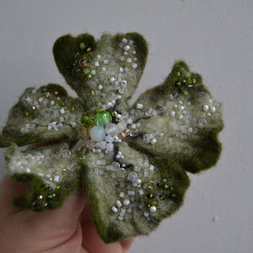 Felted Flower Pin Brooch Moss Green and White,Green Wool Floral Corsage Pin,Felt Brooch,Felted Gift Idea,Handmade Art Pin,Embroidered Flower