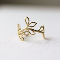 Delicate Leaf Branch ring - Silver OR Gold, Everyday jewelry, Leaf Ring, Vine Ring,Adjustable Ring,Gift for Her,Gift Under 20