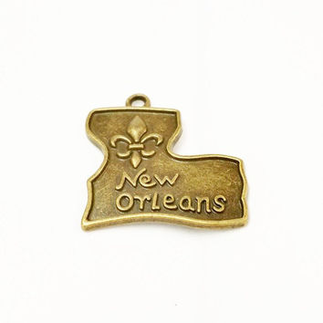 7 New Orleans Charms, Mardi Gras Charms, Antique Bronze New Orleans Pendant, French Charm, State Charm, Mardi Gras Favor, Fleur De Lis Charm