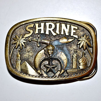 SHRINE Shriners Club Masonic Temple Solid Brass Belt Buckle By The Great American Buckle Company Excellent Condition Serial 1801