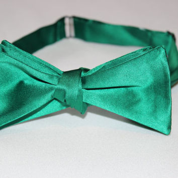 Solid Kelly Green Self-Tie Bow Tie