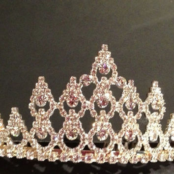 Vintage Classic Rhinestone Sliver Plated Tiara Perfect Wedding or Pagent