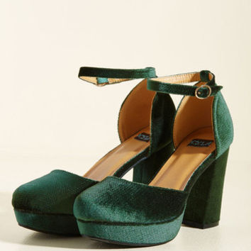 Go With the Stride Velvet Heel in Pine | Mod Retro Vintage Heels | ModCloth.com