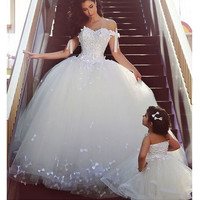 Off the shoulder straps wedding dress puffy ball gown stype