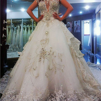 Luxury wedding dress with diamonds and crystals Appliques beading