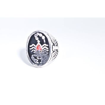 Vintage 1980's Native American Style Southwestern Real Stone inlay Men's Scorpion Ring