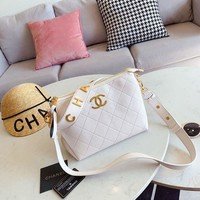 168 Fashion Classic Shoulder Strap Crossbody Quilted Hobo Bag white 28-20cm