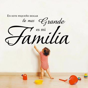 "W308 En este pequeno hogar lo mas grande es mi Familia "" Spanish Vinyl Wall Decal Quote Stickers Home Decoration Wall Art Mural"