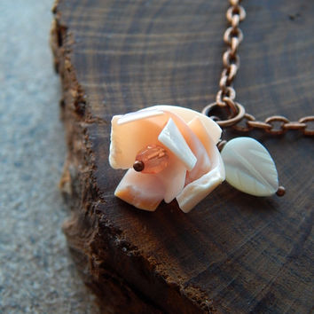 Seashell necklace coral rosette flower necklace boho mermaid jewelry mermaid necklace feminine bohemienne bridesmaid necklaces flower girl