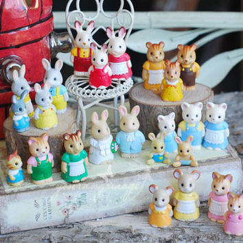 10 pcs/set Send Random Diy Accessories Small Rabbit Doll Cartoon Anime Collection Action Figure Sylvanian Families Toy Set