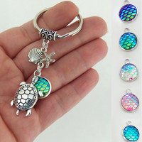 Turtle keychain with mermaid scales, sea turtle key chain, mermaid scale keyring, beach key ring, beach party favors, luau party favor gifts