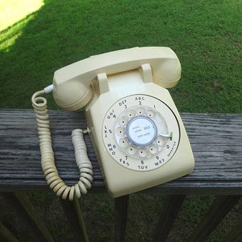 1970s Vintage Rotary Dial Telephone in Light Beige, by ITT, Non Removable Cords, Vintage Dial Phone, Vintage Technology, 1970s Home Decor