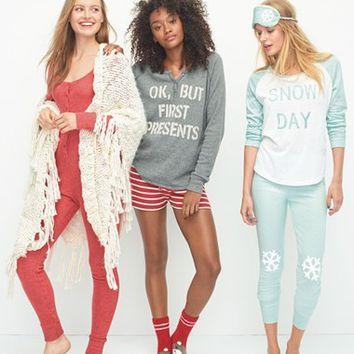 Make + Model Deck the Halls Pajamas | Nordstrom