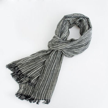 Men's Warm Soft Gray Plaid Woven Wrinkled Cotton Scarf