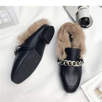 2017 Spring and Autumn Fashion Leather Shoes Woman With Metal Chain Flat Slippers Fur Slides Mules Casual Large Size 5 to 9.5