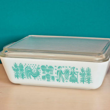 Pyrex Butterprint Amish Blue and White Refrigerator Dish with lid, #503 1 1/2 Quart