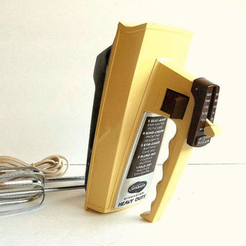 Vintage Complete Sunbeam Mixmaster hand mixer, electric w beaters, Harvest Gold & Brown, 5 speed burst of power, Mid Century Retro 1960's