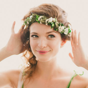 Boho woodland wreath, bridal flower crown, Floral headpiece, Natural wedding head piece - QUEEN of the WOODS