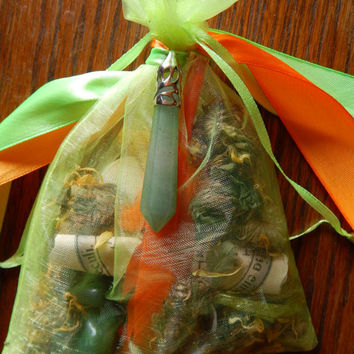 In the Money Mojo Bag - Hoodoo Money Wealth Mojo Bag - Amulet - Talisman - Occult Supply - Magickal Curio - Witchcraft - Money Luck Amulet