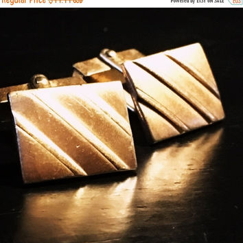 5 DAY SALE (Ending Soon) Vintage Gold Tone Swank Cufflinks - Square