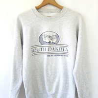 Vintage Mount Rushmore South Dakota sweatshirt. cozy novelty shirt. Heather gray sweater / S M